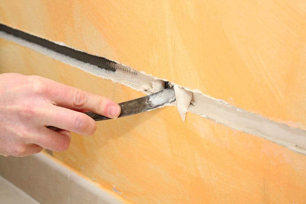 Quel outil pour réaliser une saignée dans un mur ?