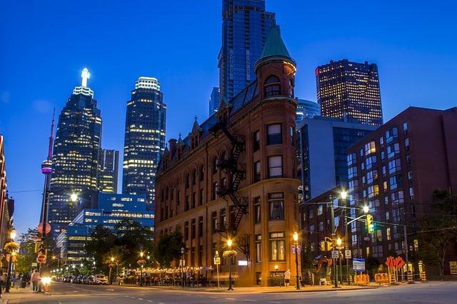 Vacances au Canada : 3 lieux d'intérêt touristique de Toronto à visiter
